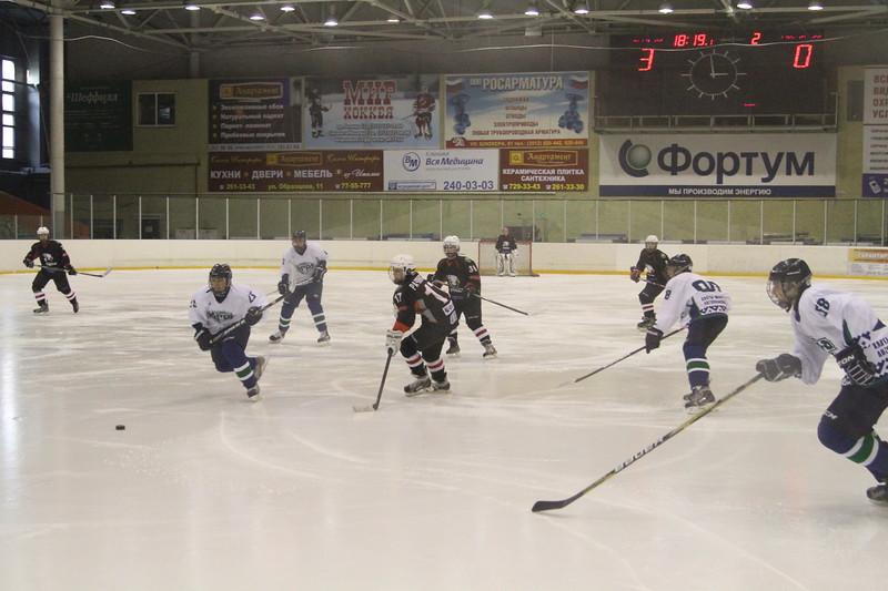 Команда Трактор 1999 года рождения уступила в матче чемпионата России Югре из Ханты-Мансийска со счетом 4:5