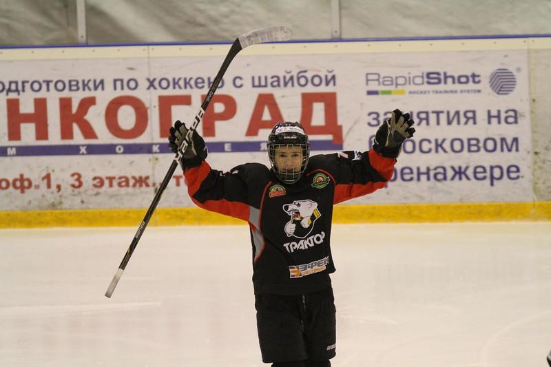 Команда Трактор 2000 года рождения обыграла в повторном матче чемпионата России пермский Молот со счетом 11:0