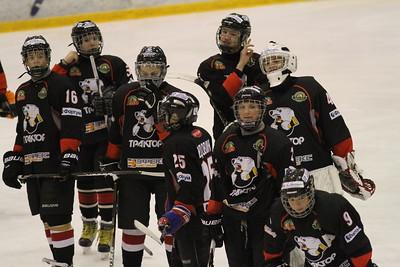 Команда Трактор 2000 года рождения выиграла в матче чемпионата России у Белых медведей со счетом 6:0