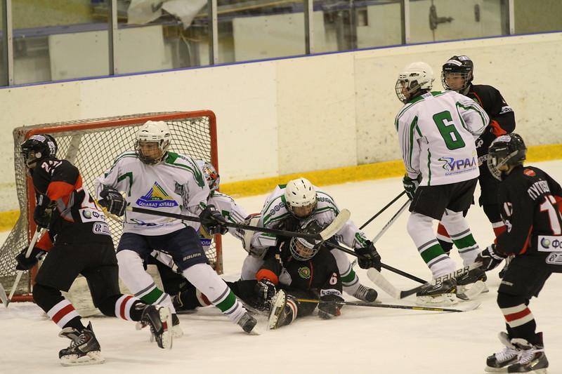 Команда Трактор 2000 года рождения обыграла уфимский Салават Юлаев в матче чемпионата России со счетом 6:4