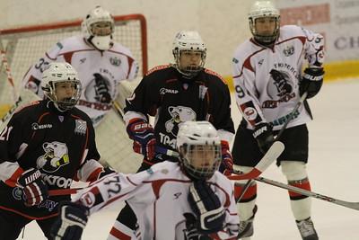 Команда Трактор 2000 года рождения дважды обыграла Тюменский легион в матчах чемпионата России.
