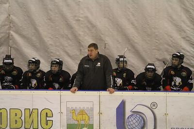 Главный тренер команды Трактор 2000 года рождения Илья Лапшин прокомментировал в интервью 74hockey.ru матчи своей команды против Югры из Ханты-Мансийска