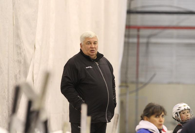 Главный тренер команды Трактор 2001 года рождения Анатолий Тимофеев прокомментировал в интервью 74hockey.ru матчи своей команды против магнитогорского Металлурга