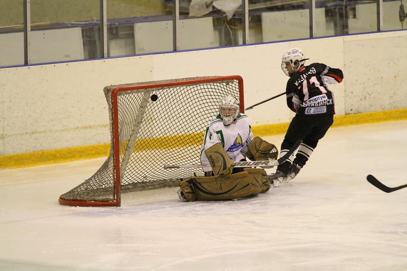 Команда Трактор 2001 год рождения обыграла уфимский Салават Юлаев в матче чемпионата России со счетом 9:2