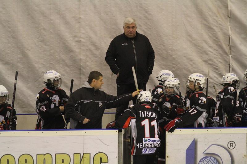 Главный тренер команды Трактор 2001 года рождения Анатолий Тимофеев прокомментировал в интервью 74hockey.ru  матчи своей команды против Югры из Ханты-Мансийска