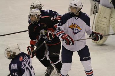 Команда Трактор 2002-го года рождения обыграла на своём льду магнитогорский Металлург со счётом 4:3 в матче чемпионата России.