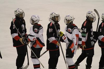 Команда Трактор 2002-го года рождения выиграла у Белых медведей со счётом 6:5 в матче чемпионата России.