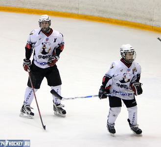 Школа Макарова-1998 (Челябинск) - Трактор-1999 (Челябинск) 2:4. 26 января 2012