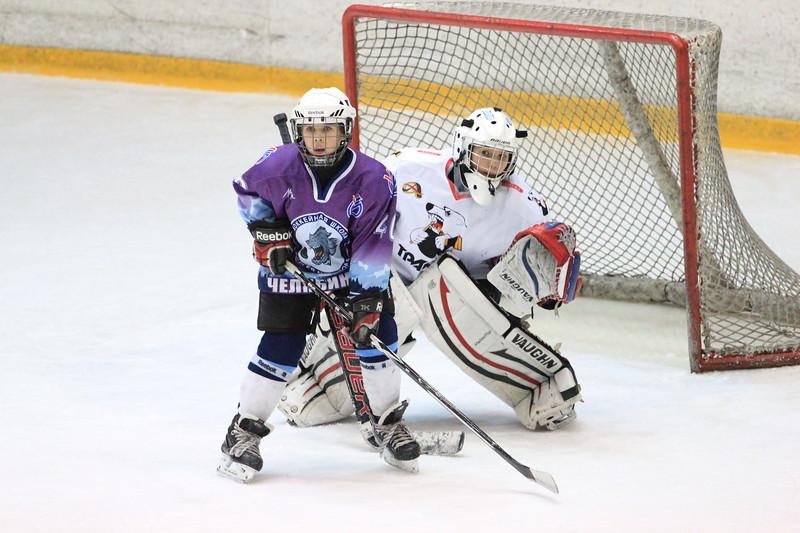 Команда Трактор 2001 года рождения обыграла челябинскую команду хоккейной школы имени Серея Макарова в матче чемпионата России со счетом 4:1.