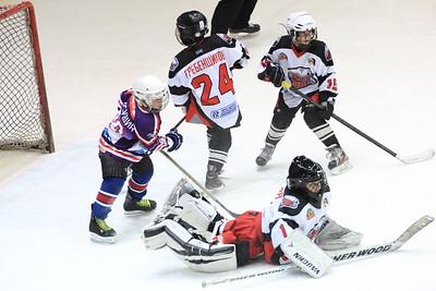 В редакцию 74hockey.ru обратились родители, дети которых играют в челябинских хоккейных школах, с просьбой обратить внимание на ситуацию, связанную с финансированием хоккейных школ в городе.