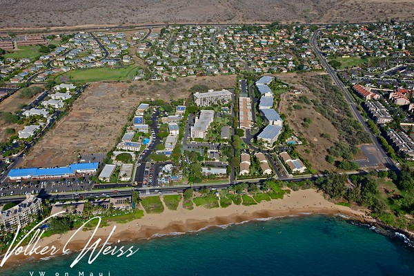 Maui Banyan - Aerial Photos & Plat Maps