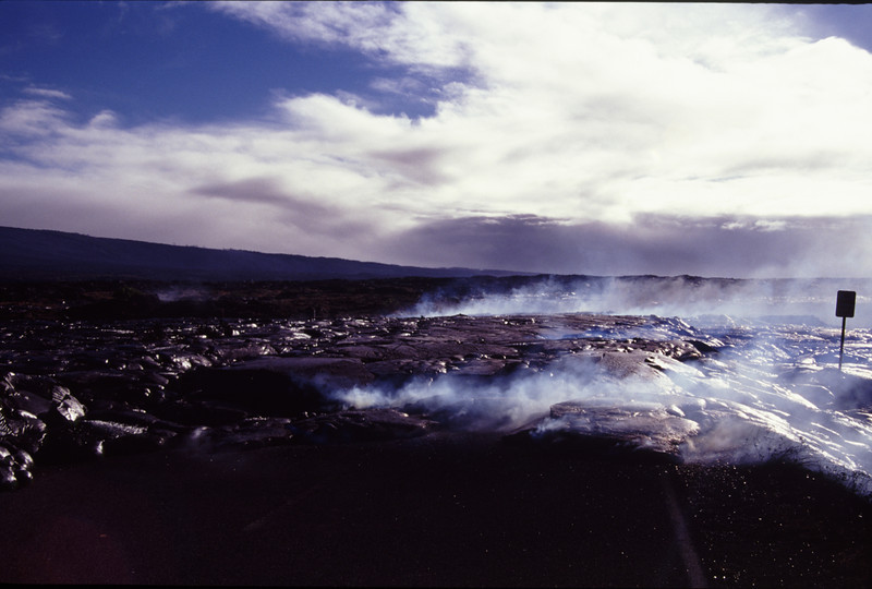 1000 on 21 Jul 2002 lava at the moment the picture is take is flowing in the sea at Wilipea. The ranger station had to be moved #KIL2002-1