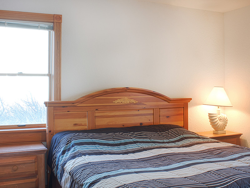 Ground-Level King Bedroom