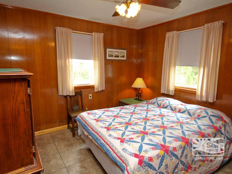 Queen Bedroom with Ocean Views