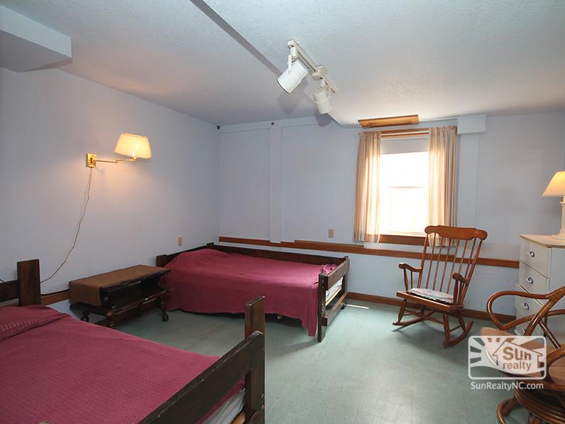 Ground-Level Twin Bedroom