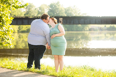 Kim and Charles Maternity Session 2021-3