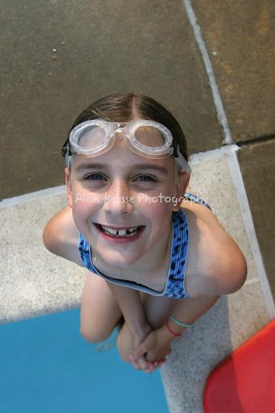 Swim 20040058a