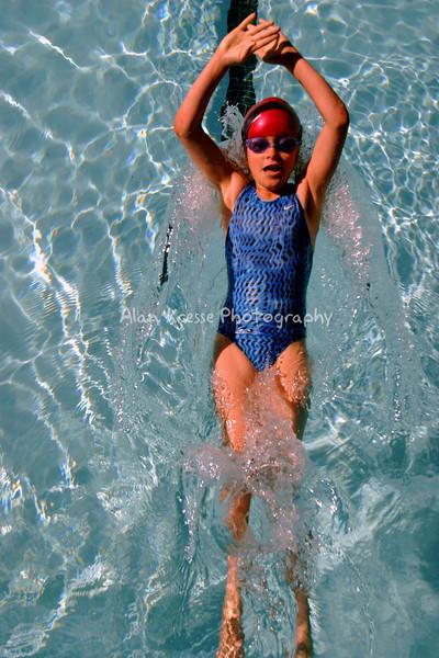 Swim 20040270a