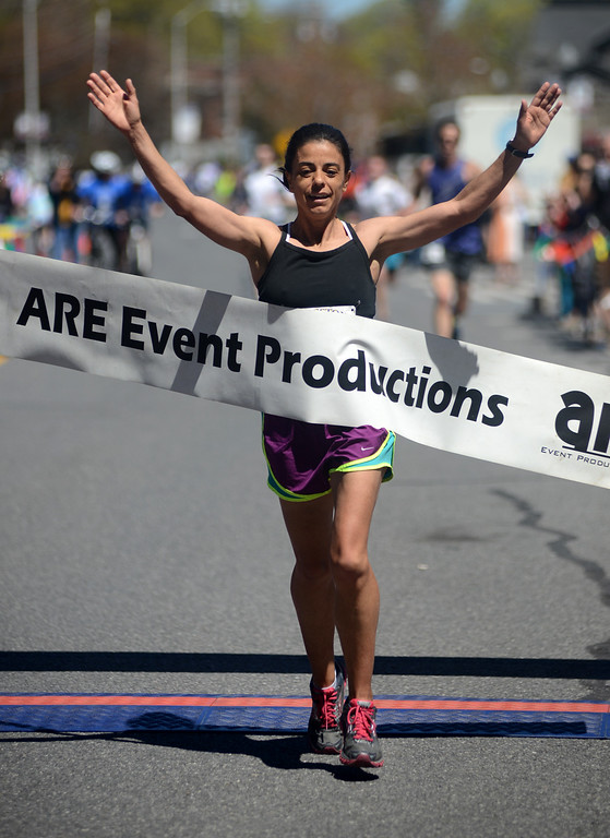 . Tania Barricklo-Daily Freeman  Gabriela Olivera came in as first female in the 10K Kingston Classic.