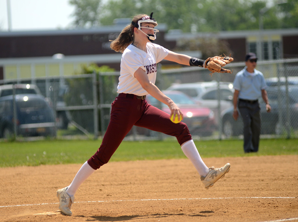 . Tania Barricklo-Daily Freeman                      Kingston pitcher Shannon Bonnewitt.