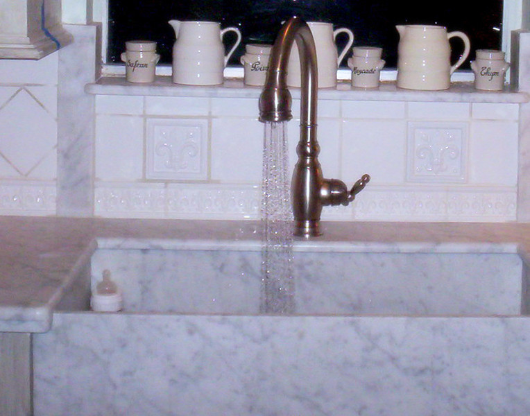 Farmers Face Carrera White Marble Sink by Schlitzberger