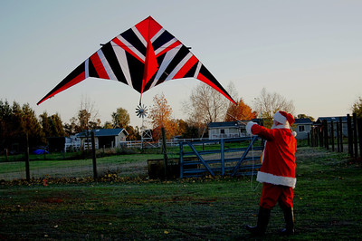 """""""What a great kite! It matches my suit."""""""