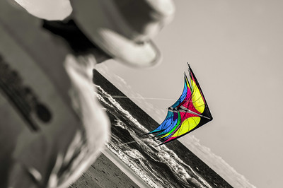 Cover/ Kiting magazine Spring 2014, vol 36, issue 1. Mike MacDonald at Lincoln City.