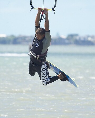 More kiteboarding at the Estuary in Chch - lots of wind today 18/02/06