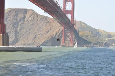 Kitesurfing Under the Golden Gate Bridge 4-26-09
