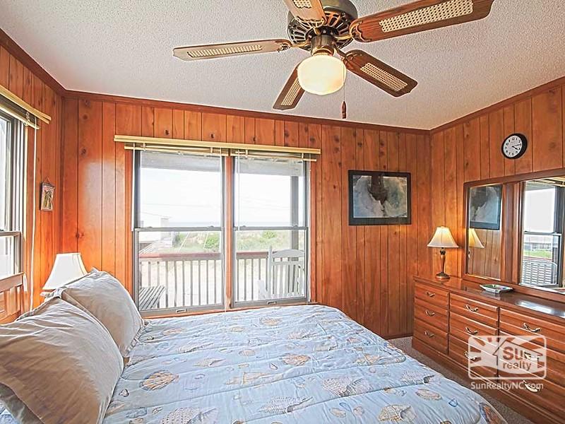 Mid-Level Queen Bedroom w/ Ocean Views