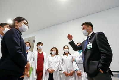 2020 оны гуравдугаар сарын 20. БСШУС-ын сайд Ё.Баатарбилэг сургалтын эмнэлгийн үйл ажиллагаатай танилцлаа. ГЭРЭЛ ЗУРГИЙГ Б.БЯМБА-ОЧИР/MPA