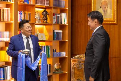 2021 оны наймдугаар сарын 25. Монгол Улсын Ерөнхийлөгч У.Хүрэлсүх МҮЭХ-ны төлөөлөлийг хүлээн авч уулзлаа.     ГЭРЭЛ ЗУРГИЙГ Б.БЯМБА-ОЧИР/MPA