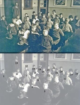F0369 <br /> De  School met den Bijbel, 1929, klas 1<br /> <br /> 1Leida Aangeenbrug<br /> 2Ali Bergman<br /> 3Annie Smit<br /> 4Greetje Beerhorst<br /> 5Nel van Leeuwen<br /> 6Jo Smit<br /> 7Huib Stelma<br /> 8Cor Evers<br /> 9Hans van Nieuwkoop<br /> 10Tom le Clerque<br /> 11Pauli van Weeren<br /> 12Jan van Nieuwkoop<br /> 13Meindert Potman<br /> 14Riek Heijnes<br /> 15Corrie Noort<br /> 16Joop Warnaar<br /> 17Henny Philippo<br /> 18Jo van Reenen<br /> 19Coby Beije<br /> 20Jeanne Boot<br /> 21Willy Vogelaar. <br /> 22juffrouw Kramer.<br /> 23meester Vercouteren