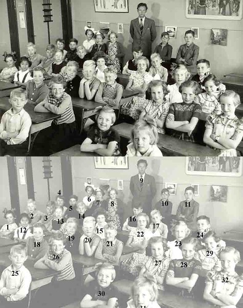 F1875 <br /> Klassenfoto  Hervormde School, juni 1952.<br /> <br /> 1Annie Oudshoorn<br /> 2Gerrit Schaap<br /> 3Maarten Verschoor<br /> 4Arie Dulk<br /> 5Wijnand Heijns<br /> 6Truus  Sluijmer<br /> 7Aagje Kattenburg<br /> 8Hannie Oppelaar<br /> 9Meneer de Groot<br /> 10Kok Philippo<br /> 11Kees Kersten<br /> 12Iris Klerk<br /> 13Siebe Brussee<br /> 14Dick Hubers<br /> 15Inez Boogaard<br /> 16Roel Verklaveren<br /> 17Jan Oudshoorn<br /> 18Jenny Abbink<br /> 19Gijs Bakker<br /> 20Henk Oudshoorn         <br /> 21Bas Schaap<br /> 22Gonnie Molema<br /> 23Adrie de Wit<br /> 24Cor Zijerveld<br /> 25Henk Verbeek<br /> 26Joke Danijs<br /> 27Emmie de Mooy<br /> 28 Ansje Bey<br /> 29Ineke van Tol<br /> 30Agie Rodenburg      <br /> 31Joke van Tol<br /> 32Ankie Faas