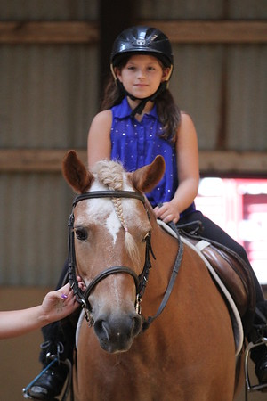 2015-08-07 Cassidy riding Horse 009