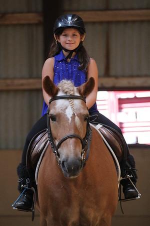 2015-08-07 Cassidy riding Horse 010