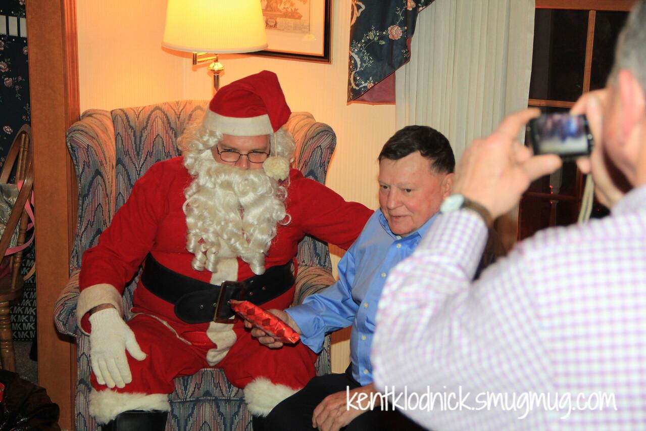 2014-12-20 Xmas Party at Mary Lou Terry 024