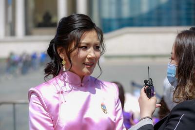 2021 оны зургаадугаар сарын 03. Монгол Улсын Ерөнхийлөгч Х.Баттулга ээжүүдэд Алдарт эхийн одон гардуулж байна.   ГЭРЭЛ ЗУРГИЙГ Г.САНЖААНОРОВ/MPA