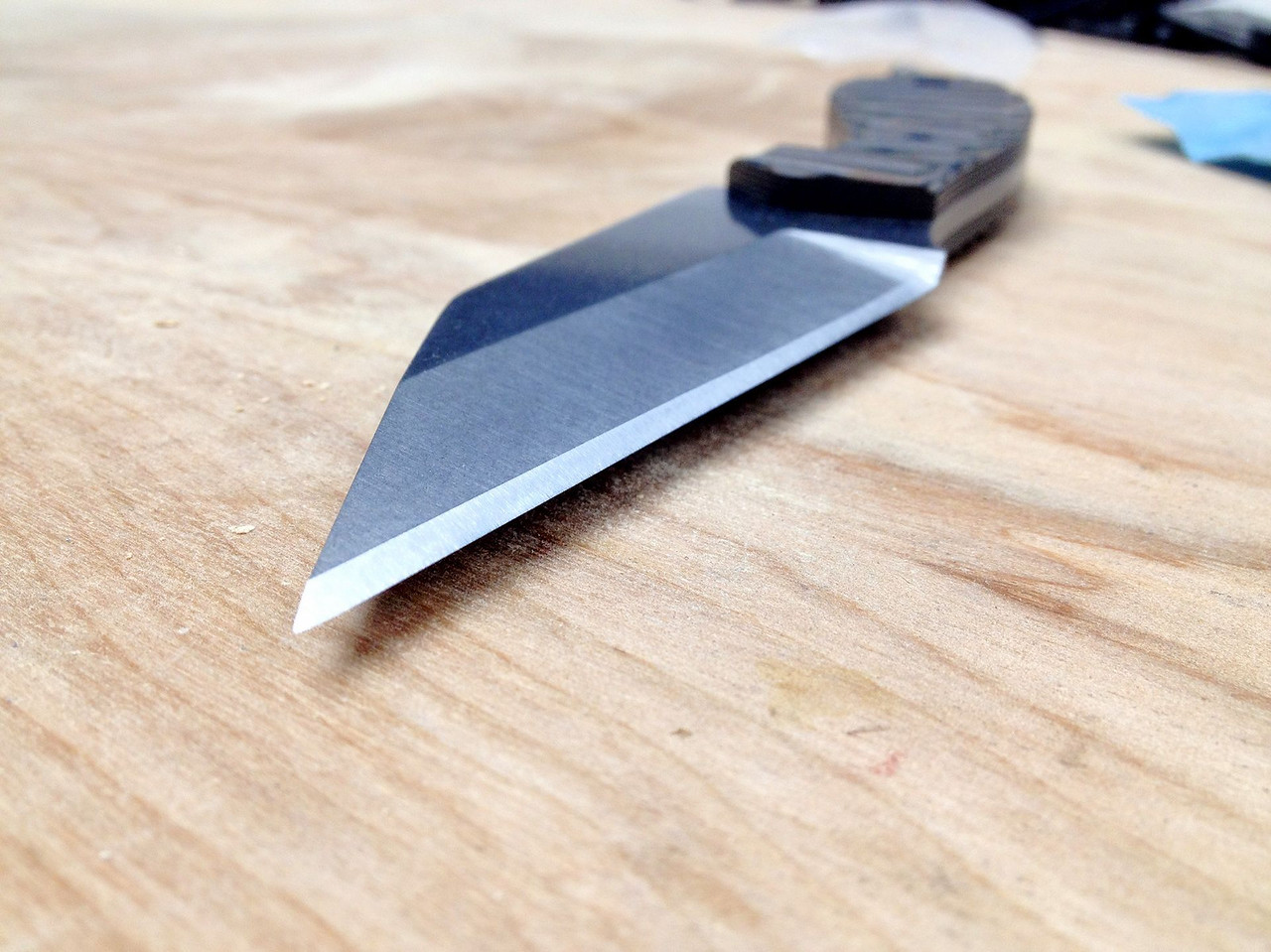 After the stonewashing, I sharpened her up.  I was able to get this one SHARP.