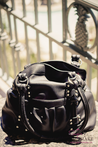 My first Epiphanie! bag: a black Lola. © 2013 Sugar + Shake