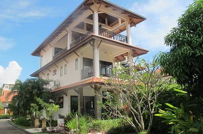 Andaman Sea View Villa: 4 Bedroom Villa, Long Beach, image copyright KoLanta.net