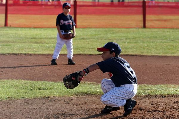 #06 Michael Foster fielding and #08 Steven Nateras pitching, Braves vs. Cardinals, 2005 Ocean View Pony Baseball, Pinto Division