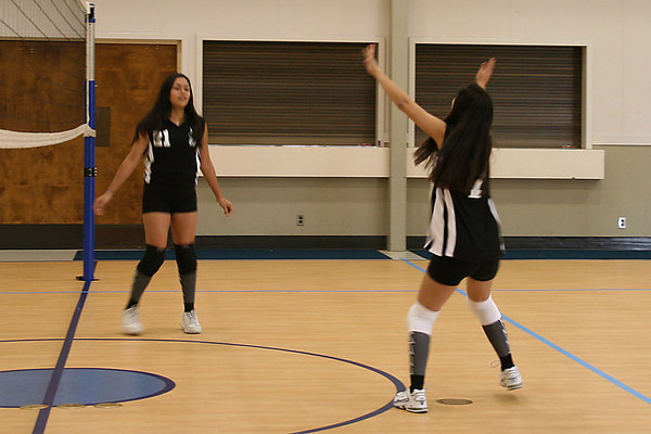 #07 Brittany Camacho and #21 Anissa Keown, 2006 ACEZ 14-1 Volleyball