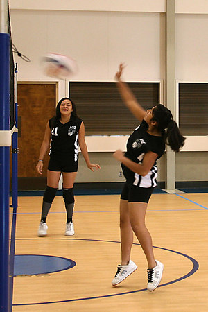 #02 Tasha Gorrell and #21 Anissa Keown, 2006 ACEZ 14-1 Volleyball