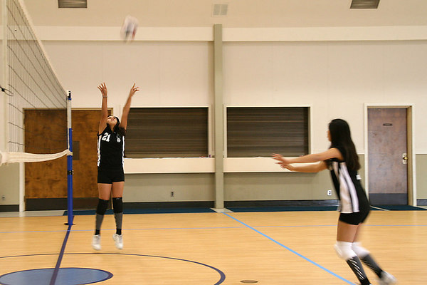 #21 Anissa Keown and #07 Brittany Camacho, 2006 ACEZ 14-1 Volleyball