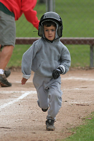 #06 Chazz Garcia running to 1st base. Athletics vs. Yankees, 2006 North Side Little League Baseball, Tee Ball Division