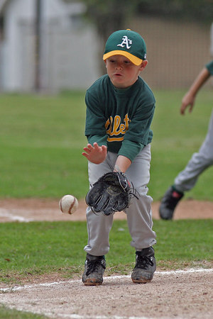 #05 Christopher Kane about to field a grounder. Athletics vs. Yankees, 2006 North Side Little League Baseball, Tee Ball Division