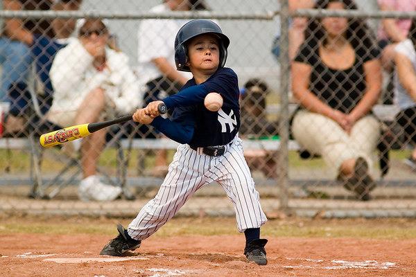 #07 Robert Sanchez at bat. Pinto North Side Yankees vs. Angels, 2006 Ocean View Pony Baseball, Pinto Division.