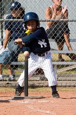#07 Robert Sanchez at bat. Pinto North Side Yankees vs. Tigers, 2006 Ocean View Pony Baseball, Pinto Division.