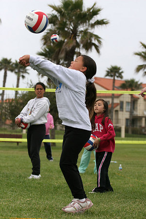 Alanna Quilantang. Volleyball practice